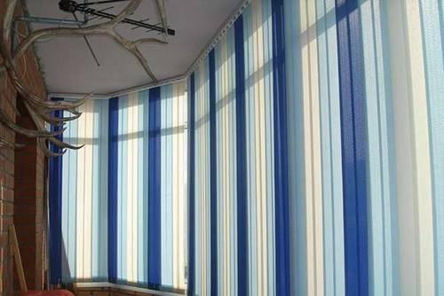жалюзи на балкон вертикальные фото