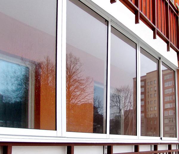 какие окна лучше ставить на балкон