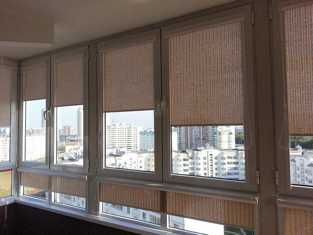 Дизайн штор на балкон и лоджию: рулонные, римские - фото.
