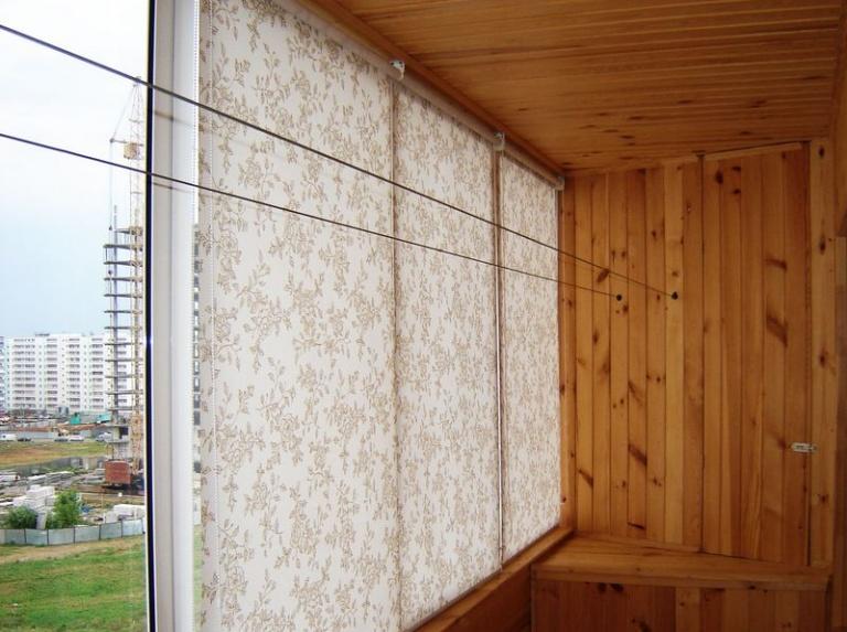 Шторы для балкона от солнца