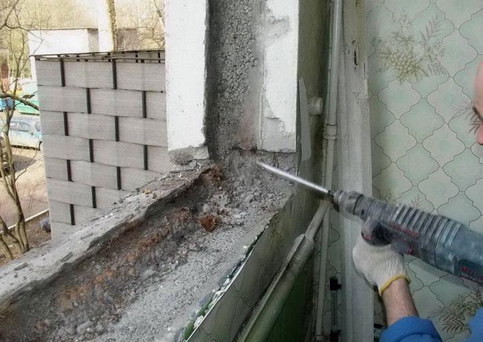 установка окна на лоджии в панельном доме