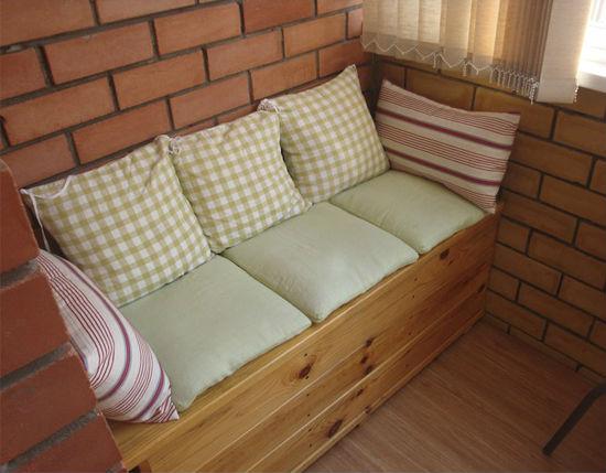 Как сделать самому диван на балконе своими руками