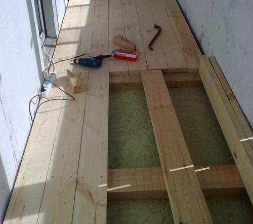 Деревянный пол на балконе или лоджии своими руками - видео.