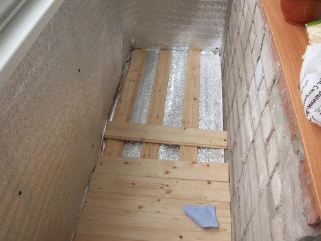 Как сделать на балконе пол