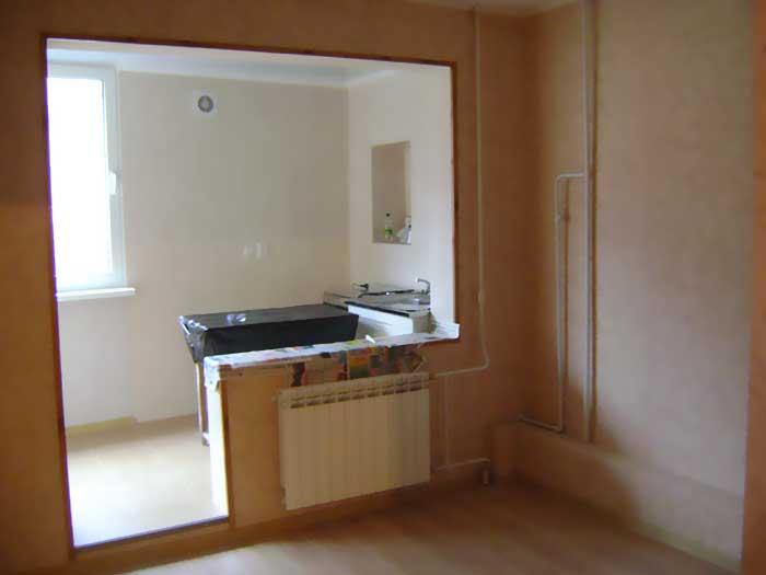 Объединение кухни и лоджии: совмещение балкона с кухней, фот.