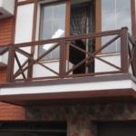 перила из дерева на балкон своими руками