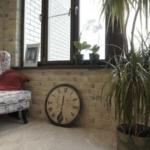 Отделка балкона и лоджии декоративным кирпичом: фото и видео