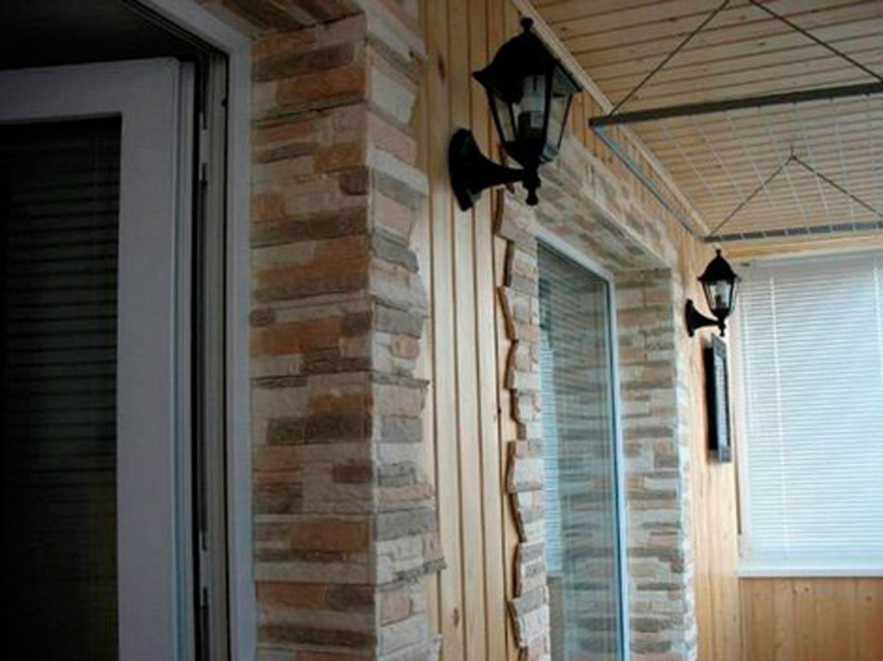 Балконы отделка декоративным камнем фото.