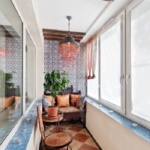 балкон с вазоном