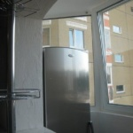 холодильник на лоджии