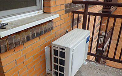 Установка кондиционера на балконе с остеклением : плюсы и ми.