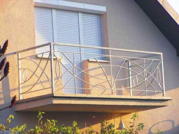 рольставни на открытом балконе