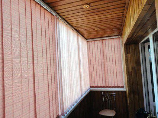 Какие жалюзи лучше для балкона: как выбрать на лоджию, фото.