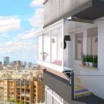 """Московские окна"""" делают балконы москвичей больше."""