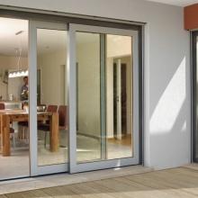 Особенности и преимущества раздвижных дверей для балконов и лоджий