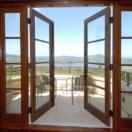 Французские двери для балкона – раздвижные или гармошкой