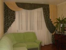 шторы на окно с балконом в спальню
