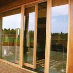 раздвижные деревянные двери для балкона
