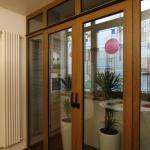 деревянные двери на балкон раздвижные
