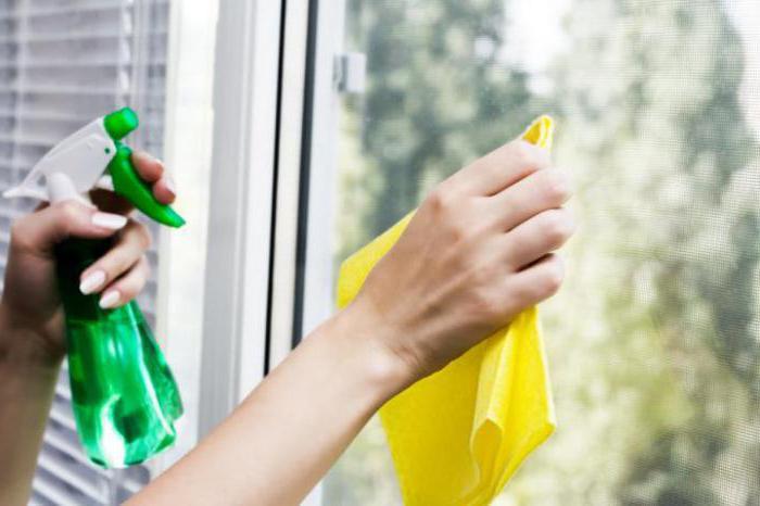 как помыть большие окна на балконе