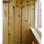 облицовка балкона стеблями бамбука