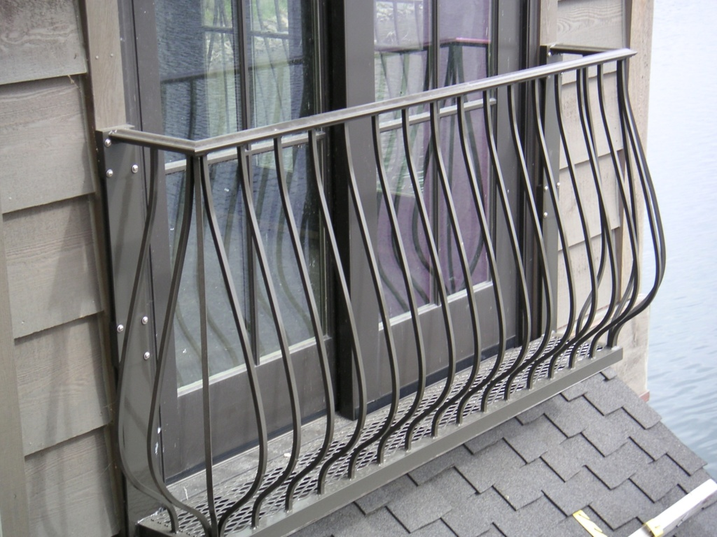 фото французский выход на балкон