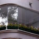 балкон полностью из стекла