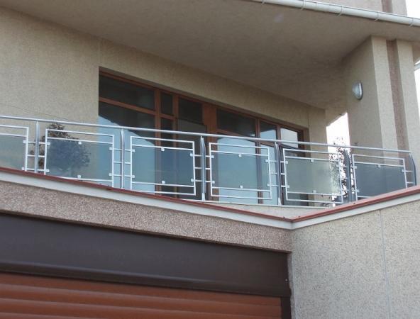 перила из нержавейки на балкон фото