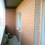 плитка на балконе в виде кирпича
