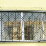 обычная решетка на балкон