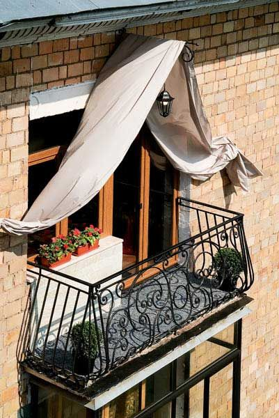 Балкон в французском стиле