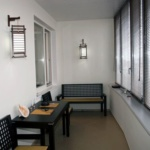 балкон со столами