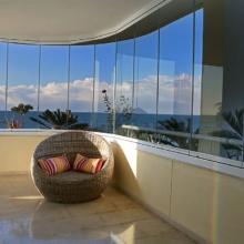 дизайн витражного балкона