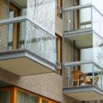 витражное остекление балконов пластиковыми окнами