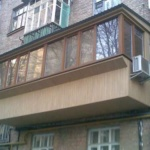 внешняя отделка балкона вагонкой