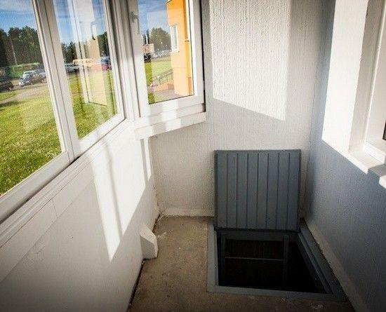 люк на балконе
